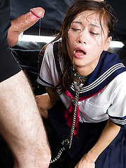 Innocent girl from Tokyo in deepthroat action
